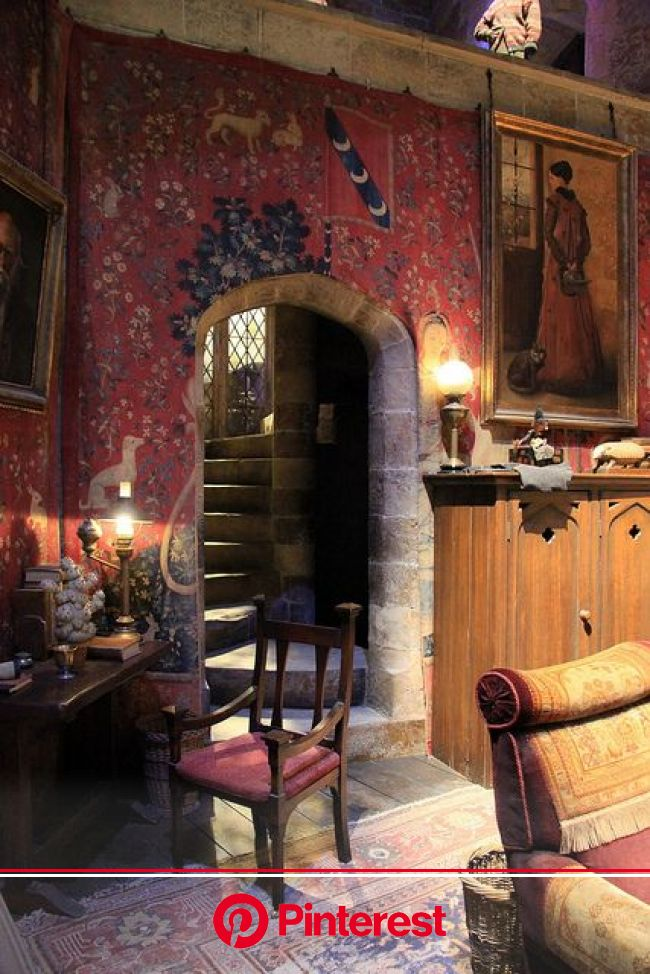 The Making of Harry Potter 29-05-2012 | Gryffindor common room, Harry potter room, Making of harry potter #beauty,#skincare