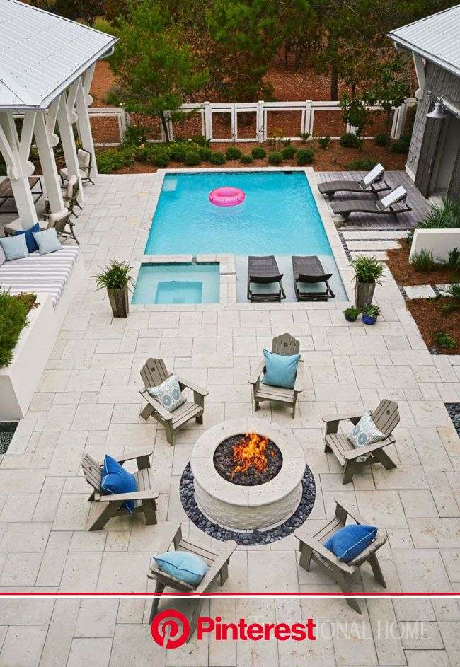 Florida Vacation Home with Casual Style | Small pool design, Small backyard pools, Pool patio #beauty,#skincare