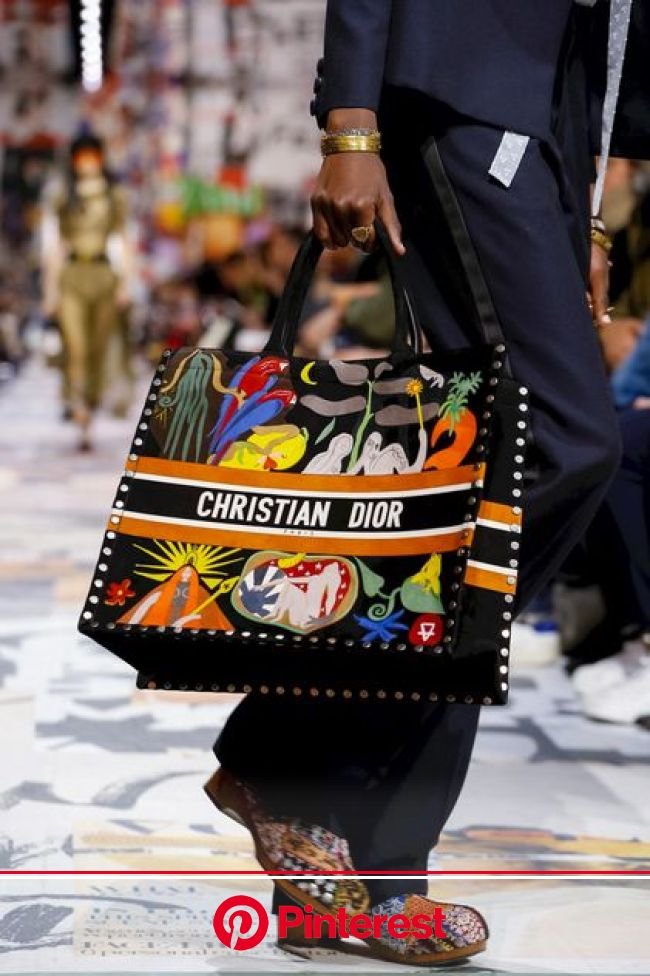 Dior Ready To Wear Fall Winter 2018 Paris | Fall handbags, Fall totes handbags, Fashion bags #beauty,#skincare